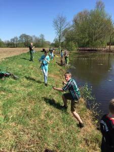 2018-04-21 Forellenangeln Jugendgruppe in Borsum 00025
